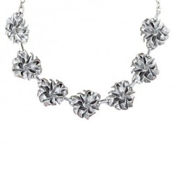 Toulhoat Small roses necklace 7 elts