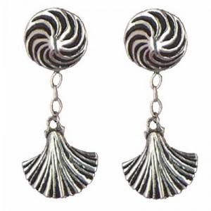 Shell earrings pendants
