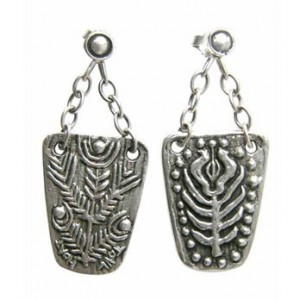 Bench of flowers earrings pendants