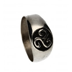 Small triskel signet ring