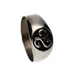 Small triskel signet ring