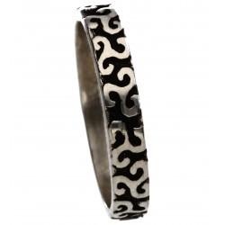 Anneau triskel en argent fabriqué par les ateliers Toulhoat. Bijou celtique triskel, faites tourner le bijou !