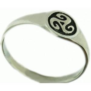 triskel small signet ring 1.9g